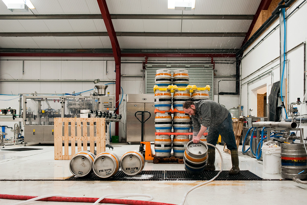 Colin Stronge washing casks at Black Isle Brewery