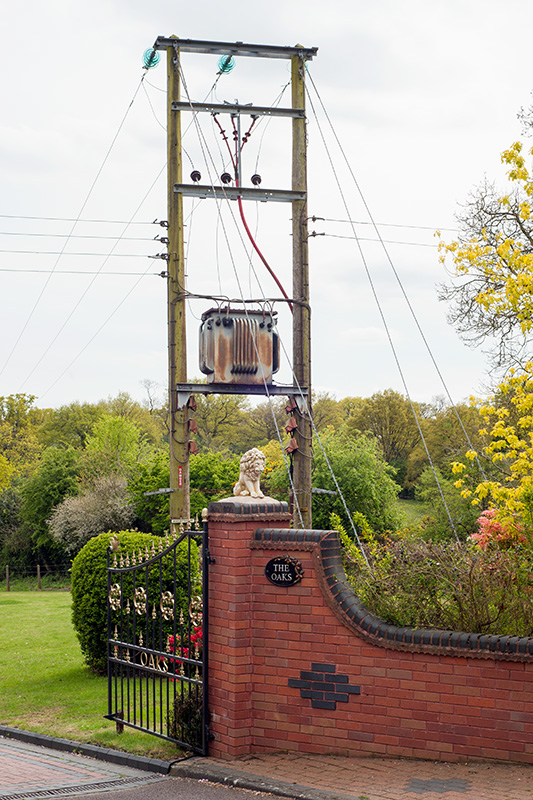 The gated entrance to The Oaks, Hollywood, Worcestershire